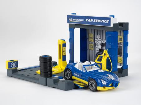 MICHELIN Service Station by car
